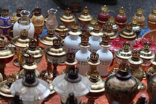Săn 'hàng độc' trong phiên chợ đồ cổ duy nhất trong năm - ảnh 14