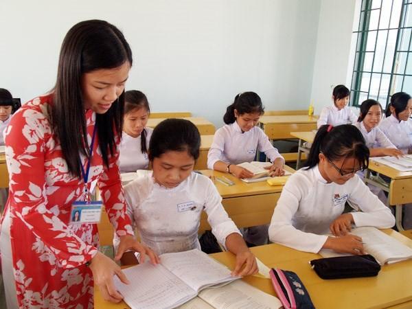 Tuyển giáo viên 2015: Cần sửa đổi và điều chỉnh văn bản làm sai - ảnh 1