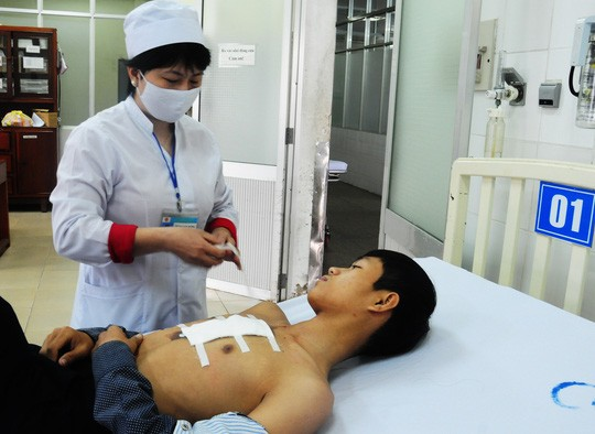 Sự cố bắn pháo hoa ở Quảng Ngãi: Do pháo bị ẩm? - ảnh 3