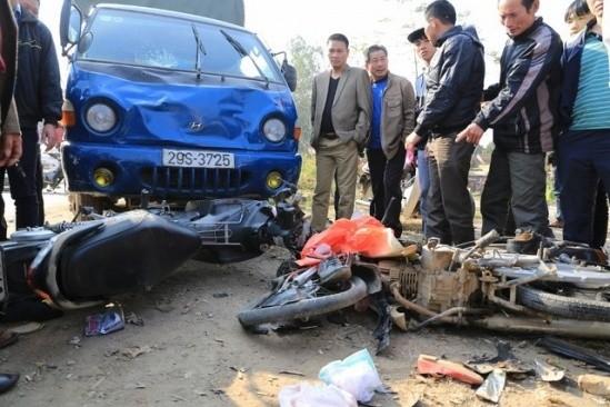 Tai nạn, 5 người trong 1 gia đình thương vong khi đi chúc Tết - ảnh 1