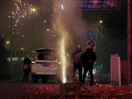 Dân Hong Kong nháo nhác vì thầy phong thủy phán năm Bính Thân - ảnh 5