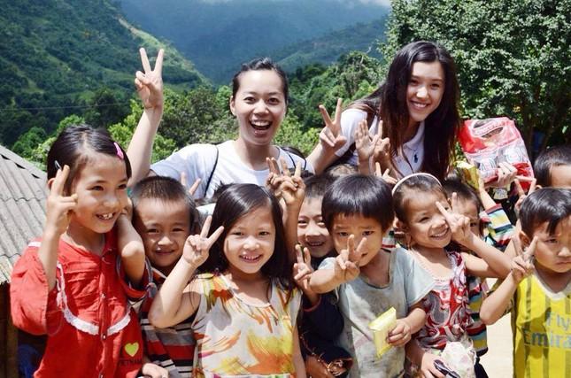 Cô gái được Forbes vinh danh nhờ làm du lịch thiện nguyện - ảnh 2