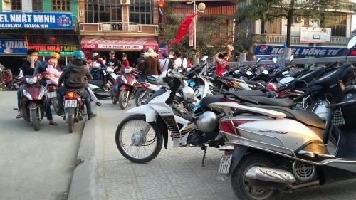 Giá vé gửi xe chùa Hương bị 'đội' lên gấp nhiều lần trước giờ 'G' - ảnh 3