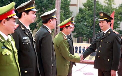 Bộ trưởng Bộ Công an kiểm tra công tác ứng trực trong dịp Tết - ảnh 1