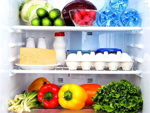 Sai lầm khi bảo quản thực phẩm khiến tủ lạnh thành kho vi khuẩn - ảnh 1
