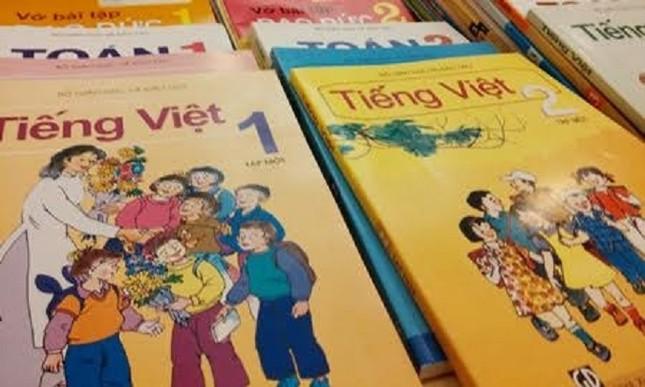 Bác bỏ thông tin về 2 bộ sách giáo khoa miền Bắc, miền Nam - ảnh 1