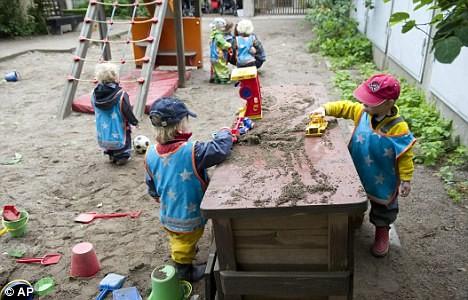 Trường học 'vô giới' lạ kỳ tại Thụy Điển - ảnh 1