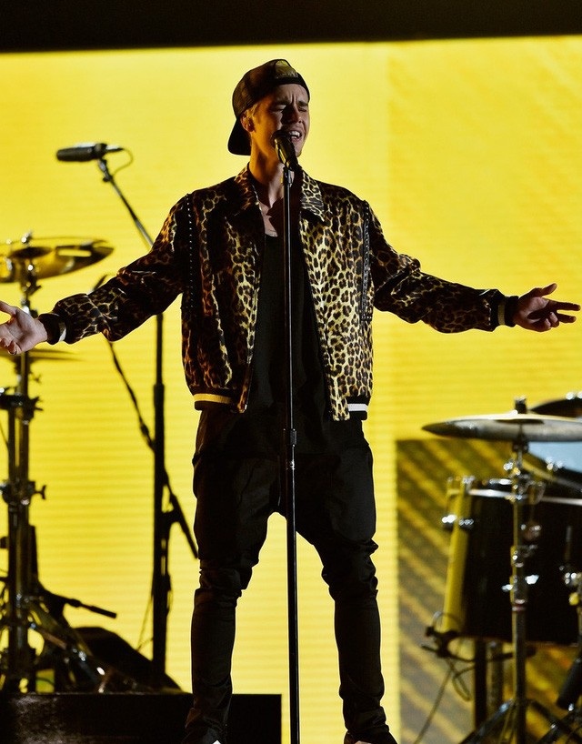 Taylor Swift tỏa sáng sau khi bị lăng mạ, Rihanna 'xù' BTC Grammy - ảnh 9