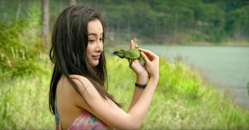 Trường Giang khóa môi Angela Phương Trinh mặc Quế Vân, Nhã Phương - ảnh 4