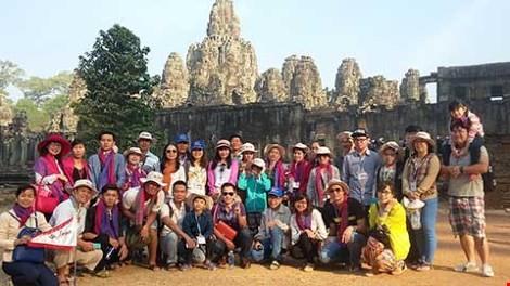 Vì sao du lịch Việt 'xách dép' cho Campuchia ? - ảnh 1