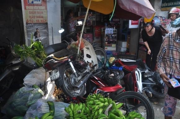 Hiện trường kinh hoàng vụ tai nạn giao thông ở Sài Gòn - ảnh 7