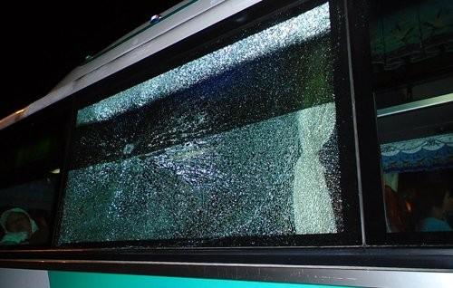 Nhiều ôtô bị ném đá trên cao tốc Long Thành - ảnh 1