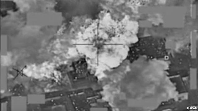 Mỹ không kích phá hủy kho tiền hơn 500 triệu USD của IS - ảnh 1