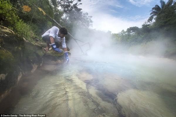 Dòng sông 'nguy hiểm' bậc nhất Amazon - ảnh 2