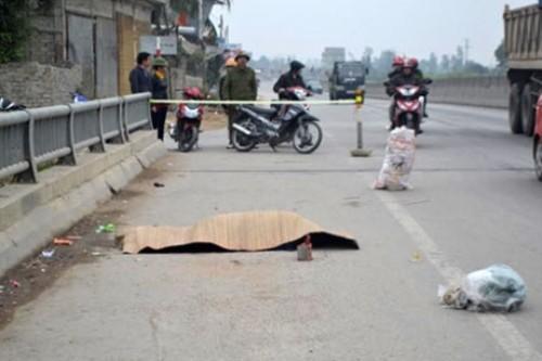 Người đàn ông tử vong bất thường giữa Quốc lộ - ảnh 1