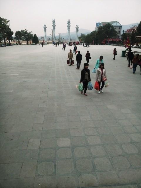 Lễ hội Tây Thiên: Chưa khai hội đã hét giá, rác tụ sừng sững - ảnh 1