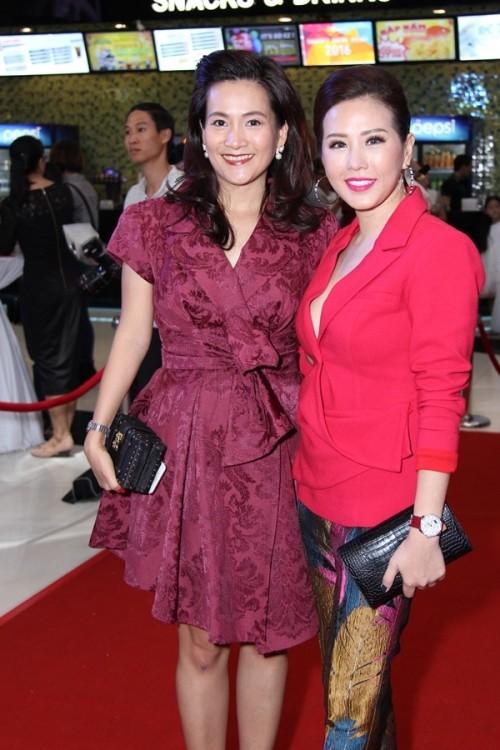 Bà xã Bình Minh vui vẻ đến dự 'đám cưới' của chồng và Diễm My 9X - ảnh 4