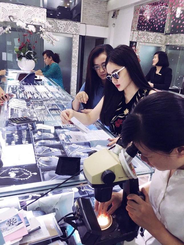 Lộ diện đại gia chi cho Angela Phương Trinh shopping trăm triệu? - ảnh 2