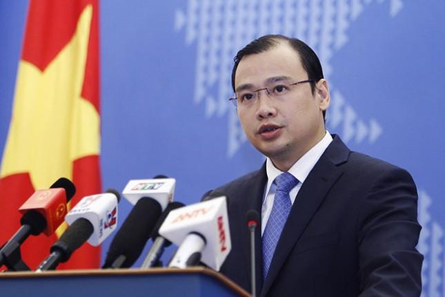 Việt Nam trao công hàm phản đối TQ đưa tên lửa đến Hoàng Sa - ảnh 1