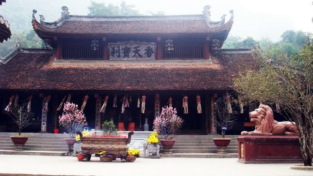 Những ngôi chùa linh thiêng ở miền Bắc cho chuyến du xuân đầu năm - ảnh 1