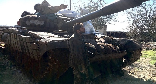 Quân đội Syria cắt đứt nguồn tiếp tế huyết mạch của IS ở Aleppo - ảnh 1