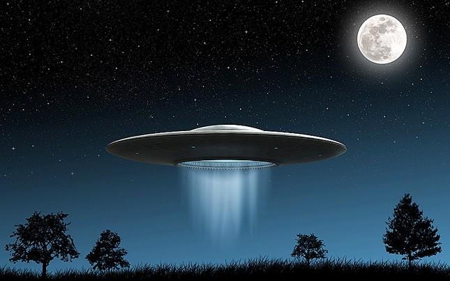 Tài liệu mật FBI: Bí ẩn đĩa bay chở 9 người ngoài hành tinh - ảnh 2