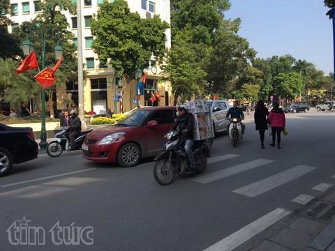 Người đi bộ ở Hà Nội... muốn khóc! - ảnh 15