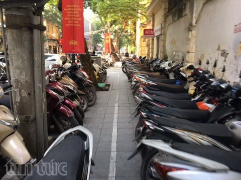 Người đi bộ ở Hà Nội... muốn khóc! - ảnh 12