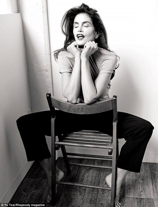 Siêu mẫu nóng bỏng Cindy Crawford sắp tuyên bố giải nghệ - ảnh 3