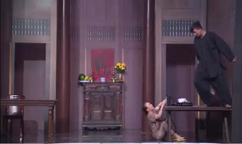 Hội ngộ danh hài: Trấn Thành bị 'tụt quần' ngay giữa sân khấu - ảnh 1