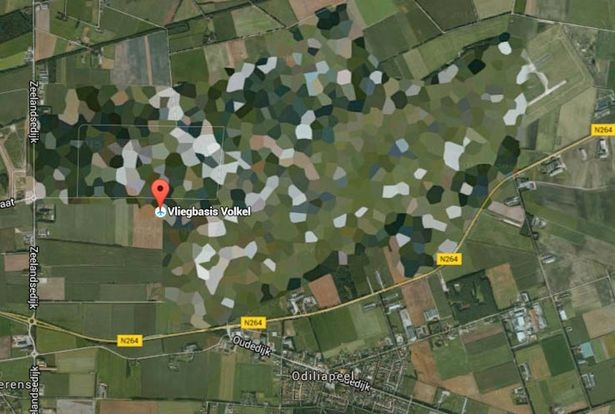 10 địa điểm bí ẩn luôn bị bôi đen, làm mờ trên Google Earth - ảnh 12