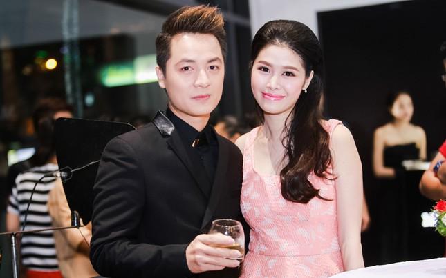 Bà xã Đăng Khôi thừa sức 'tay đôi' đọ body quyến rũ với Elly Trần - ảnh 1
