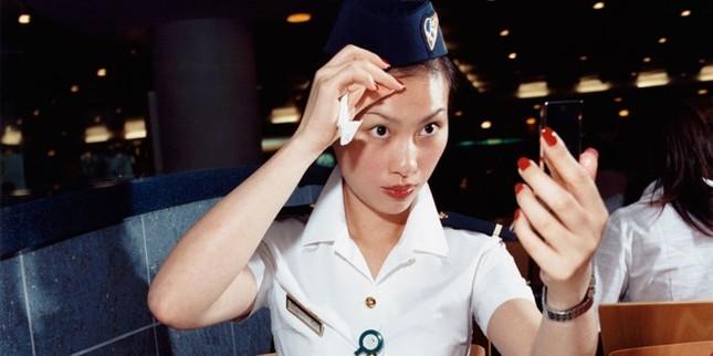 Tiếp viên hàng không tiết lộ 10 bí mật trên máy bay - ảnh 1