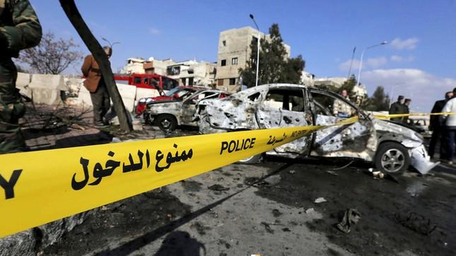 IS đánh bom liên hoàn ở Damascus, hơn 280 người thương vong - ảnh 1