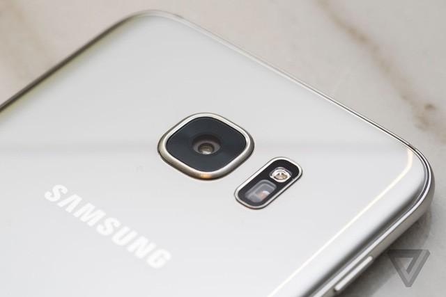 Galaxy S7: nhiều cải tiến cấu hình, ít cách tân thiết kế - ảnh 2
