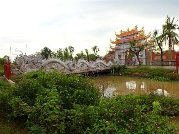 Nhà thờ Tổ của Hoài Linh bị phá sập? - ảnh 1