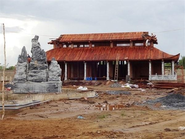 Nhà thờ Tổ của Hoài Linh bị phá sập? - ảnh 4