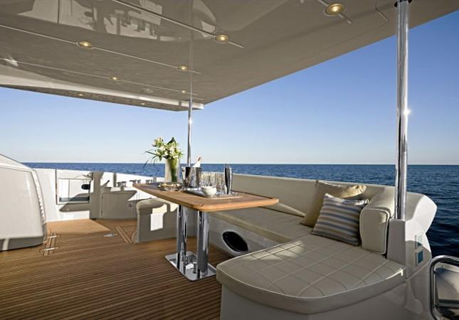 Mục sở thị du thuyền 4 triệu USD của nhà chồng Hà Tăng - ảnh 2