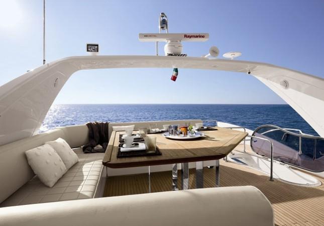 Mục sở thị du thuyền 4 triệu USD của nhà chồng Hà Tăng - ảnh 4
