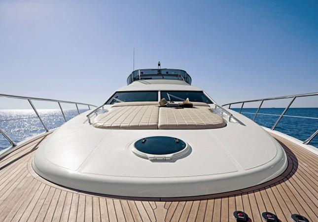 Mục sở thị du thuyền 4 triệu USD của nhà chồng Hà Tăng - ảnh 1