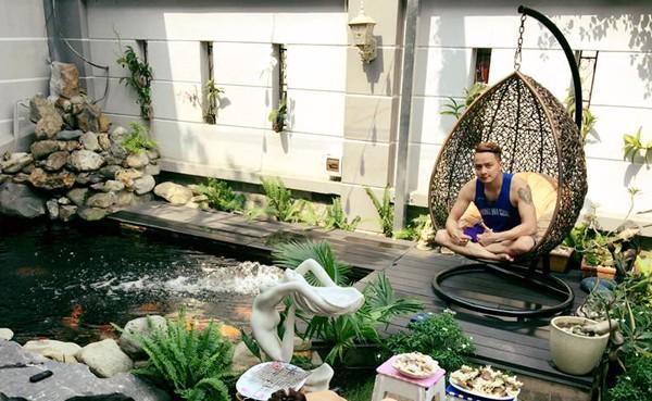 Cận cảnh bể cá cảnh bạc tỷ trong biệt thự của Cao Thái Sơn - ảnh 1