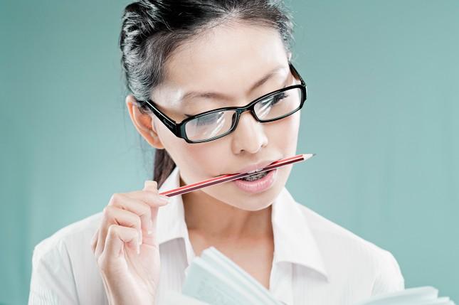 Bí quyết hay trị đau đầu chỉ bằng một... chiếc bút chì - ảnh 1