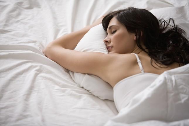 Tư thế ngủ nào tốt nhất cho sức khỏe của bạn? - ảnh 4