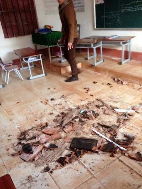Hà Tĩnh: Bỗng dưng trần nhà đổ sập, gạch vữa rơi như mưa - ảnh 3