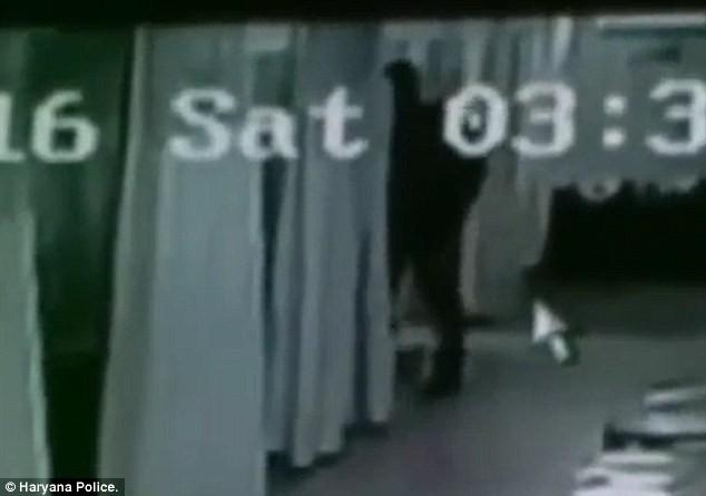 Thiếu nữ bị cưỡng hiếp ngay tại bệnh viện khi vừa sinh con - ảnh 3