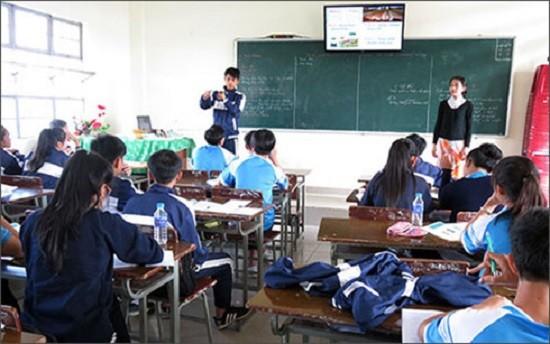 Cảnh báo tình trạng học sinh bị người lạ dụ dỗ - ảnh 1