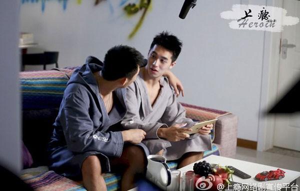 Loạt 'cảnh nóng' đồng tính nam khiến 'Thượng ẩn' bị 'khai tử' - ảnh 6