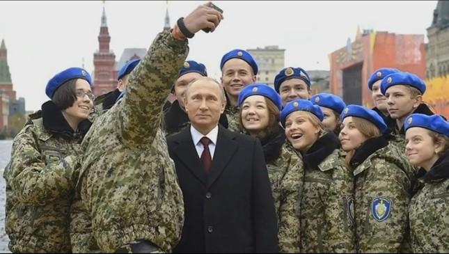 'Rủ rê' ông Putin chụp ảnh tự sướng và cái kết đầy bất ngờ - ảnh 3