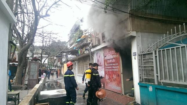 Hà Nội: Cháy dữ dội ở khu tập thể Giảng Võ - ảnh 3