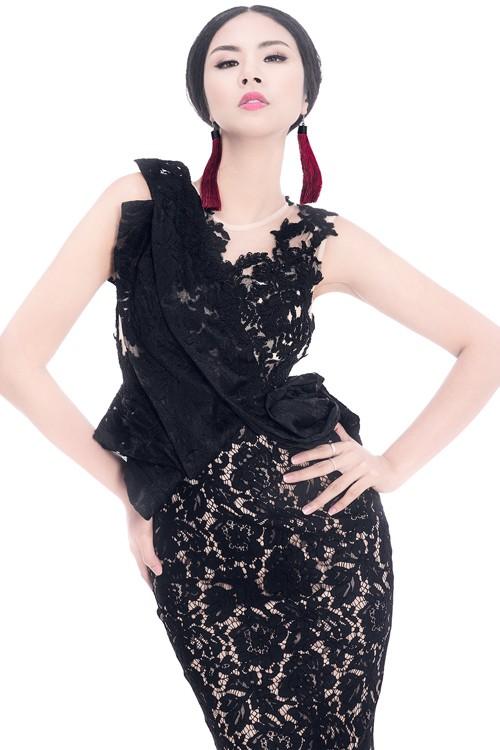 Ngọc Hân diện thời trang 'giấy báo' cực chất khoe vẻ quyến rũ - ảnh 12